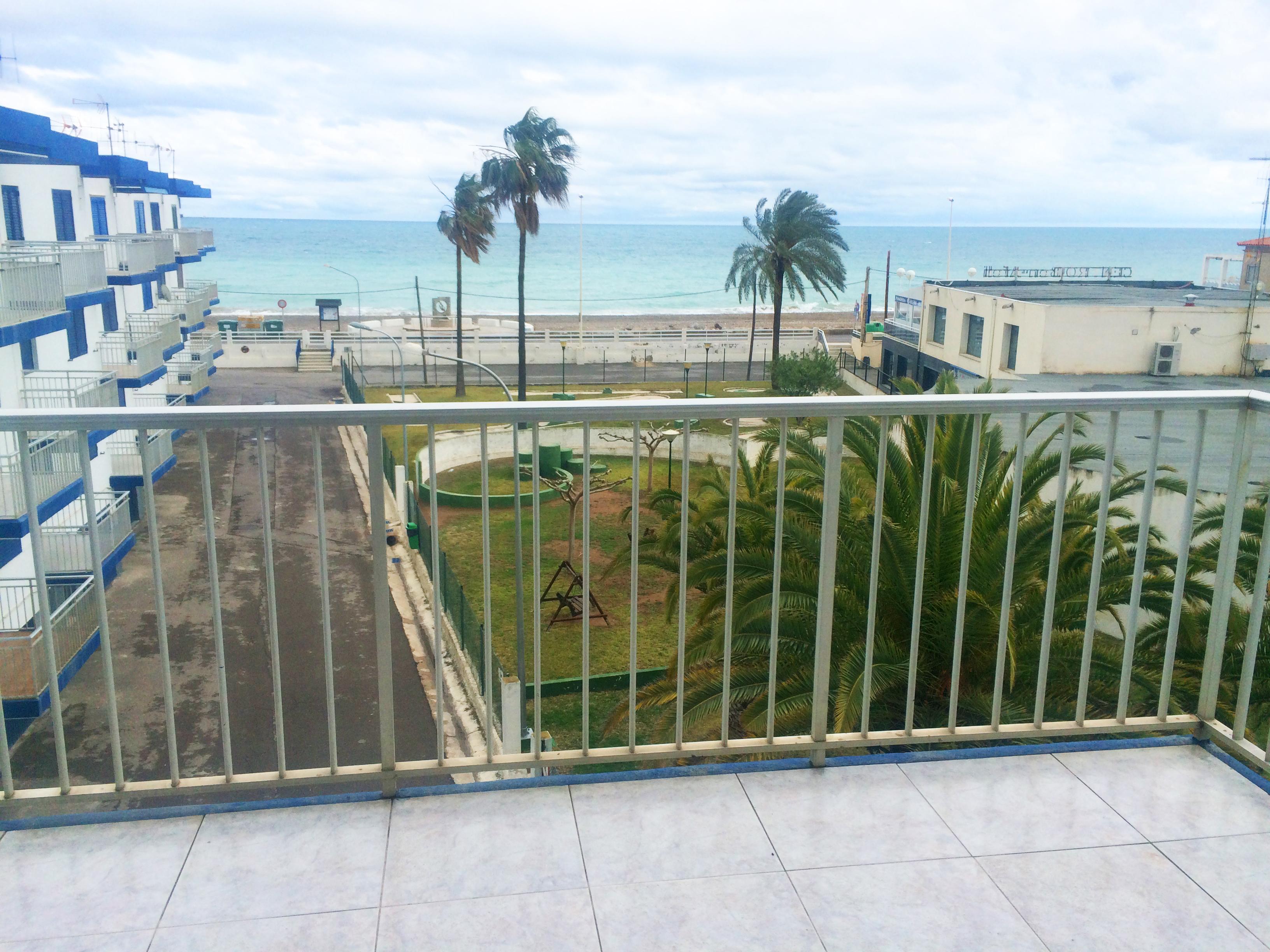 Piso en venta en la playa de almazora invenio real estate for Pisos en la playa